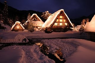 Shirakawa-go Illumination Bus Tour ( From Takaoka: Basic Course)