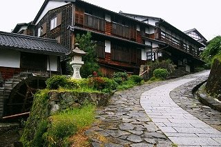 Bus trip to former lodging towns of Magome & Tsumago via Nakasendo (Samurai Road)